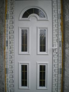 Usa PVC exterioara
