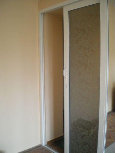 Usi pvc de interior cu geam termopan for Usa glisanta